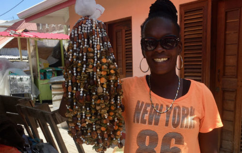 BlueFoot_Travel_Grenada_Spice_Market_Spice_Necklaces