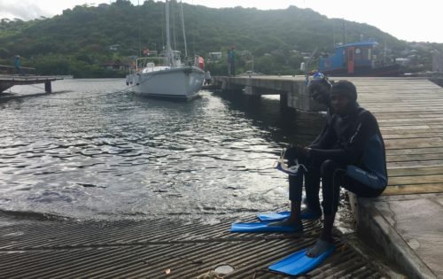 The dive team in Clarkes Court Marina getting ready to lift out Nemo. Download our haulout list here1